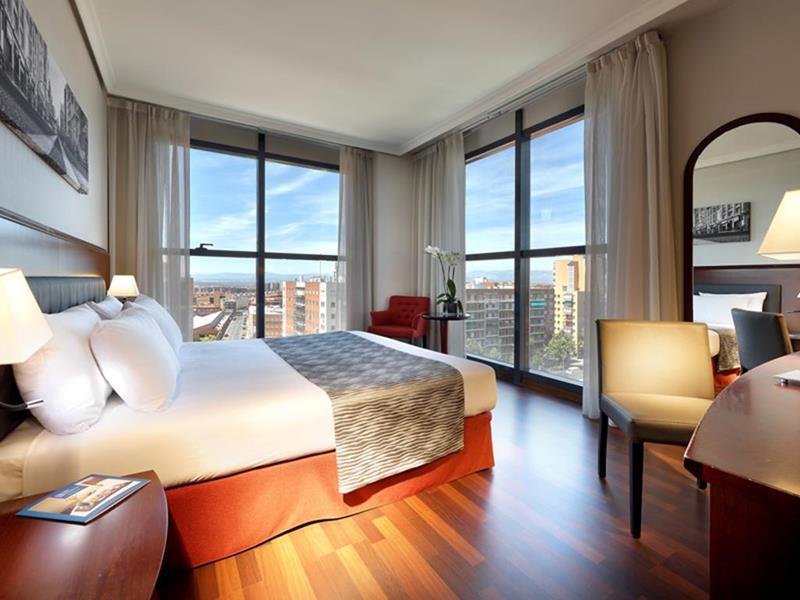 فنادق مدريد 4 نجوم عائلية وشبابية